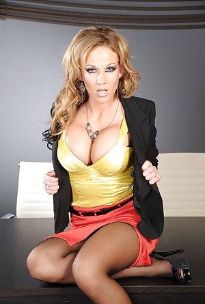 nikki sexx big tits at work № 341764
